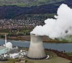 ZUM ENSI-GUTACHTEN ZUR EIGNUNG DER STANDORTE FUER EIN NEUES ATOMKRAFTWERK STELLEN WIR IHNEN AM MONTAG, 15. NOVEMBER 2010, FOLGENDES  THEMENBILD ZUR VERFUEGUNG - Das Atomkraftwerk Leibstadt, aufgenommen am Freitag, 5. November 2010. (KEYSTONE/Alessandro Della Bella) NO SALES, NO ARCHIVES